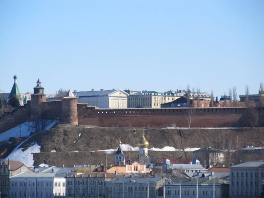 Вид со стрелки на кремль.JPG
