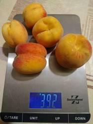 Урожай персиков.