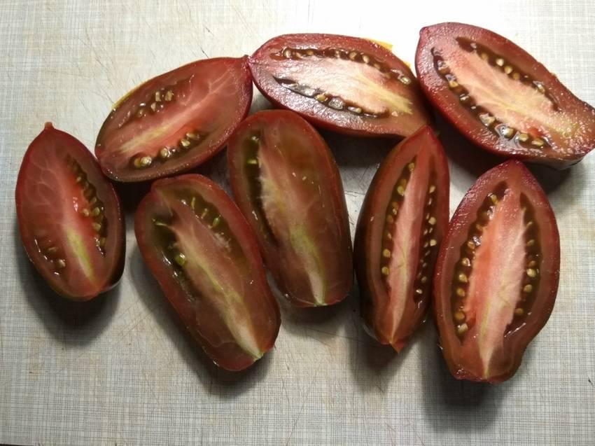 помидоры Сосулька черная1.jpg