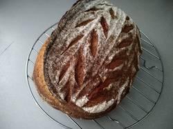 хлеб на закваске с сушоной вишней
