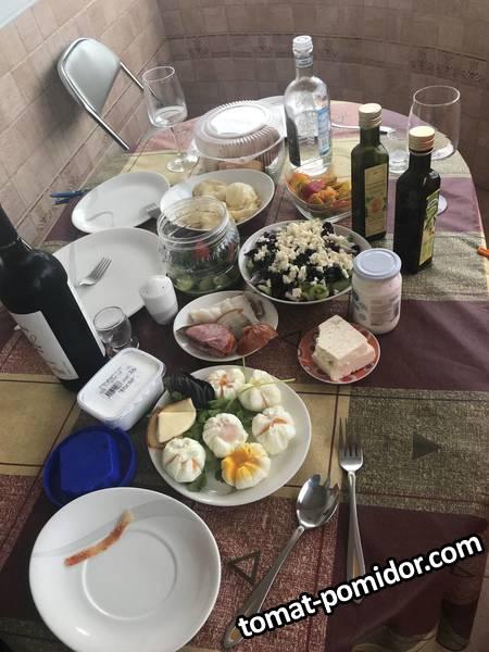 завтрак Хоста