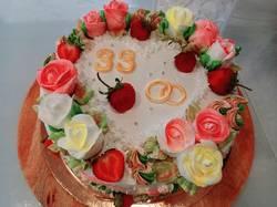 торт на Клубничную свадьбу