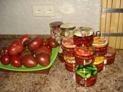 DSC00435.JPG Вяленые томаты, черныши и маринованный чеснок.