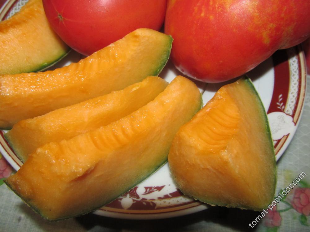 Дыня с оранжевой мякотью
