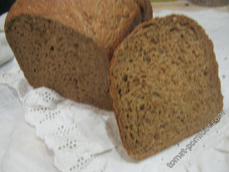 Гречишный хлеб (смазано немного из-за горячего пара от хлеба)