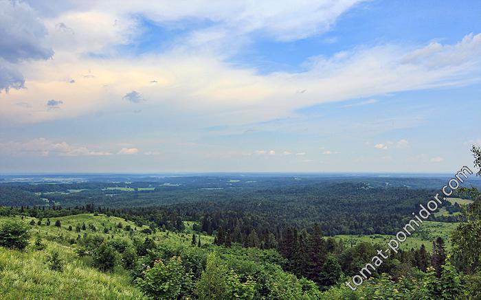 Вид с горы монастыря