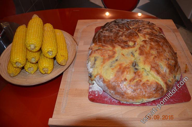 Вареная кукуруза и осетинский пирог
